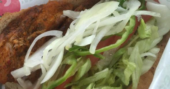 サブウェイ新発売の「スパイシーチキンフィレ」を野菜上限で食べてみたので感想を書いてみる