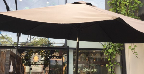 表参道 URTH CAFFE LA発のオーガニック系おしゃれカフェ テラス席は都会のオアシス